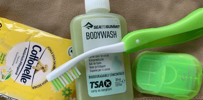 Feuchtes Toilettenpapier, eine Zahnbürste und Körperwaschlotion